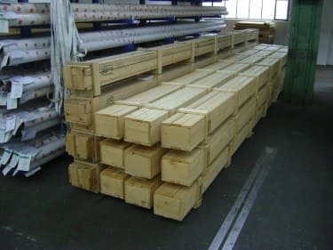 Despatch in wooden boxes